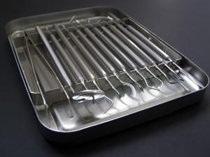 Набор инструментов в стерилизаторе